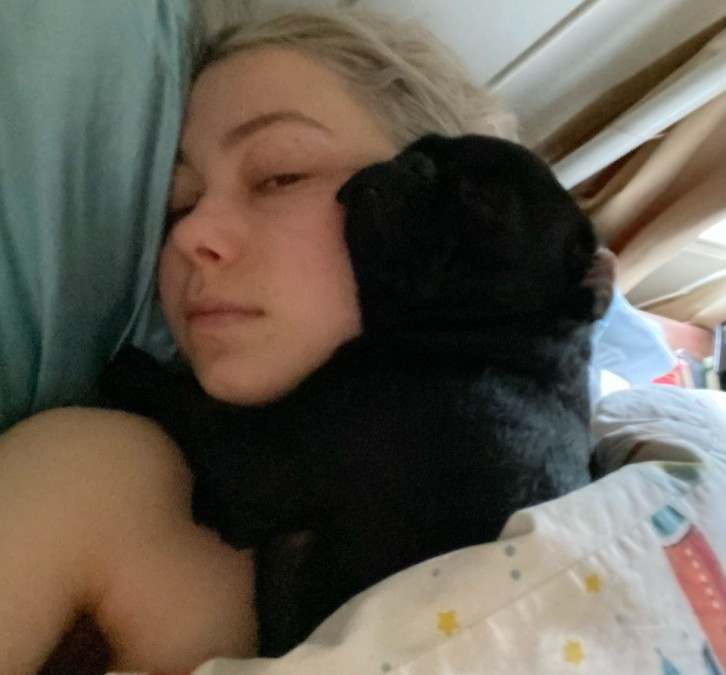 Phoebe Bridgers in bed.